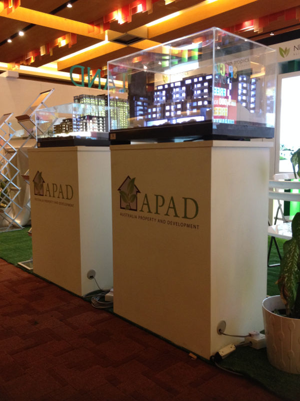 APAD Model House Stand